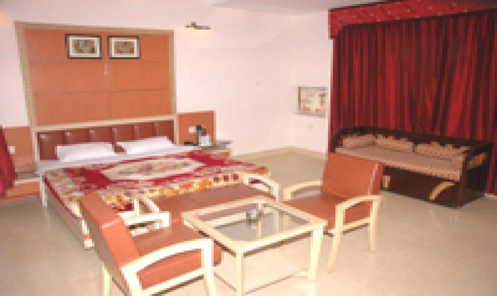 HOTEL AADITYA MAJHA CONTINENTAL